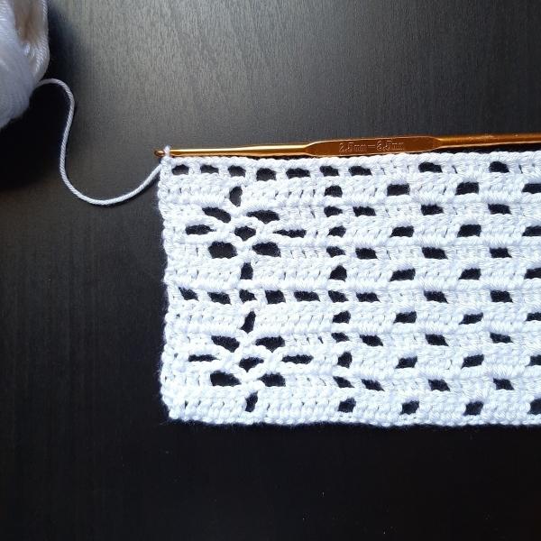 Дорожка на стол прямоугольная связанная крючком легко